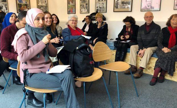 """Internationale Treffpunkt: Gäste aus Tunesien konnte Gudrun Lomas (rechts) bereits in der Begegnungsstätte """"Hallo Nachbar"""" begrüßen."""