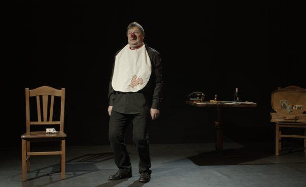 Filmausschnitt_Monolog mit meinem asozialen Grossvater zeigt den Hauptdarsteller und Produzenten Harald Hahn