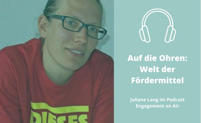 Ein Foto von Juliane Lang, Koordinatorin der Partnerschaft für Demokratie im Landkreis OHV, zur Bewerbung der Podcast-Folge: Welt der Fördermittel ..